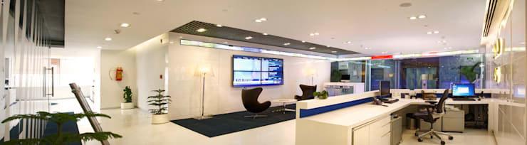 Saxo Bank Commercial Space Project:  Offices & stores by Praxis Design & Building Solutions Pvt Ltd