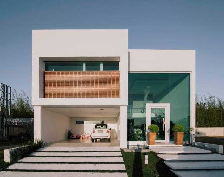 Casas de estilo  por Rafael Grantham Arquitetura