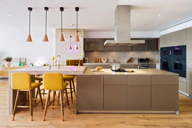 Cocinas de estilo  por MERVE KAHRAMAN PRODUCTS & INTERIORS