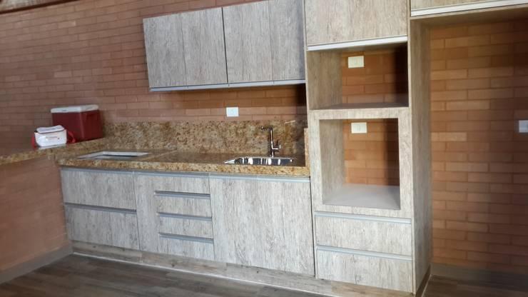 Cocinas de estilo  por EKOa Empreendimentos Sustentáveis