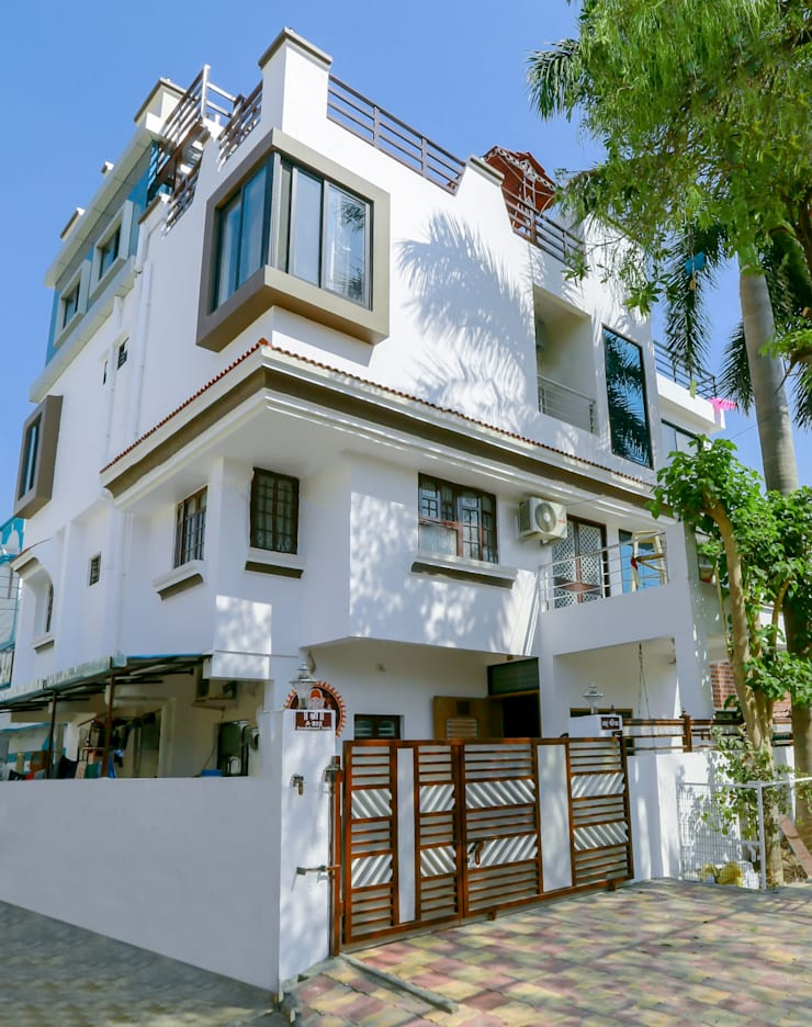 Shah Parivar Bungalow:  Houses by ZEAL Arch Designs,Modern