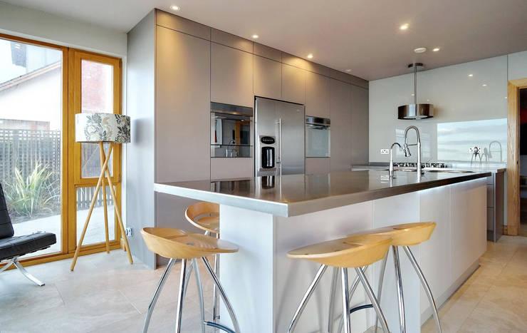 Kitchen by ADORNAS KITCHENS