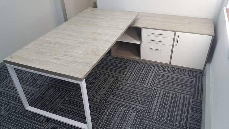 Corporate Office: modern  by Cucina Bespoke, Modern