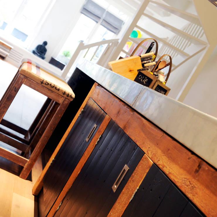 Industriele Keuken in Amsterdam:  Keuken door RestyleXL