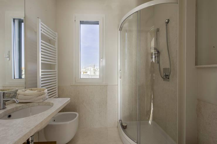 Baños de estilo  por Officina29_ARCHITETTI