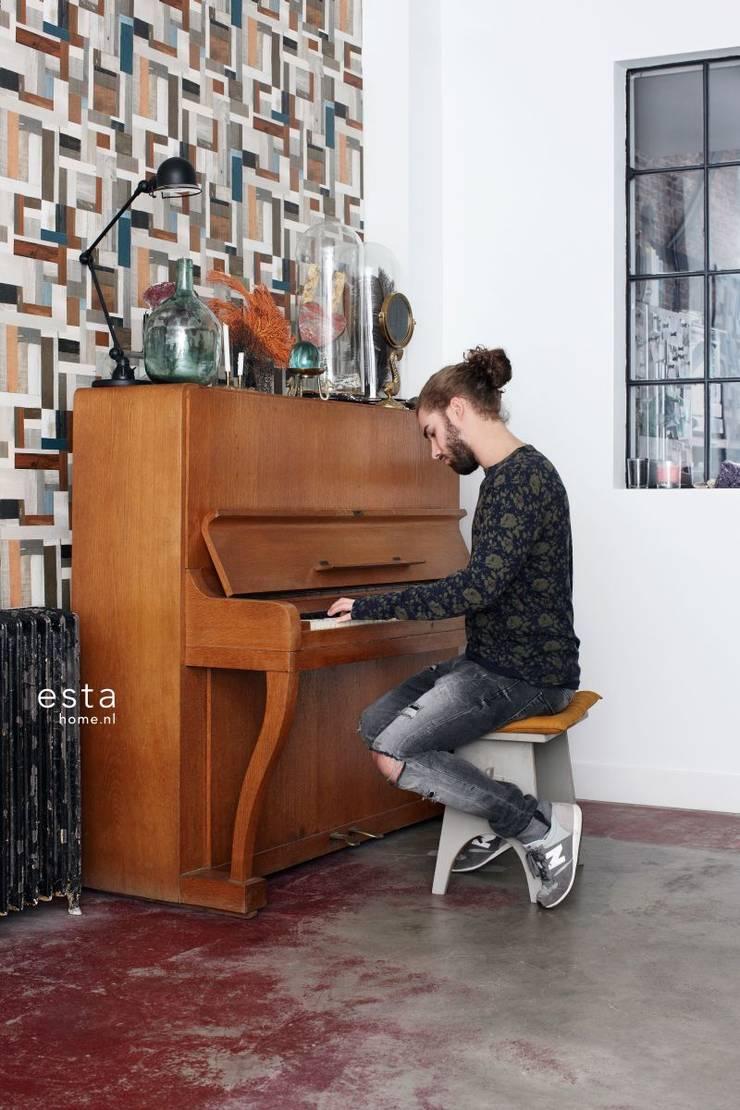 vliesbehang sloophout vintage look:  Muren & vloeren door ESTAhome.nl
