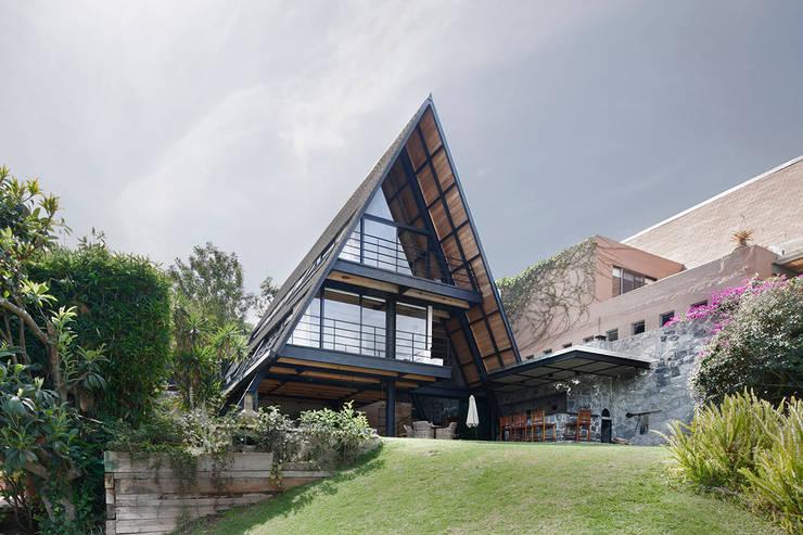 Casas de estilo minimalista por Método Arquitectos