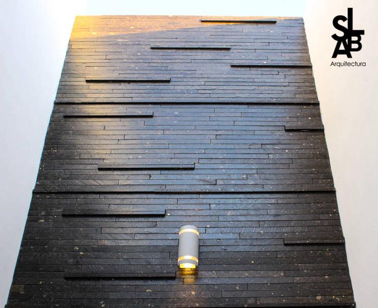 Paredes de estilo  por Slab Arquitectos