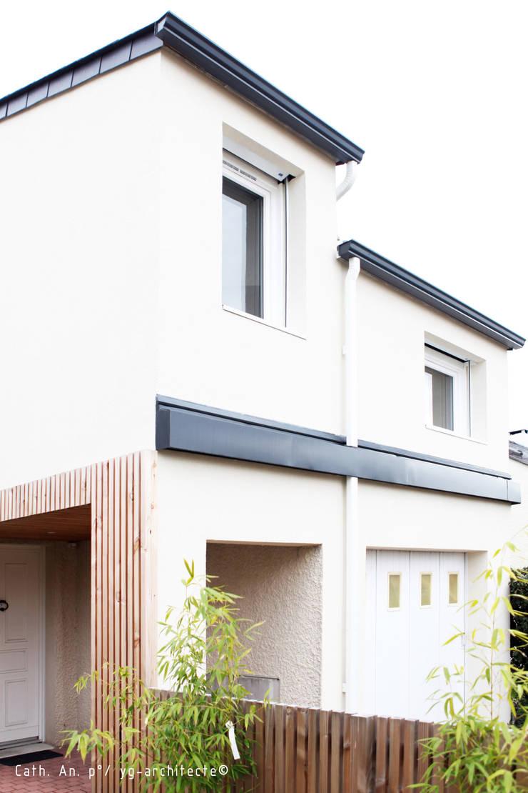 auvent: Maisons de style  par yg-architecte