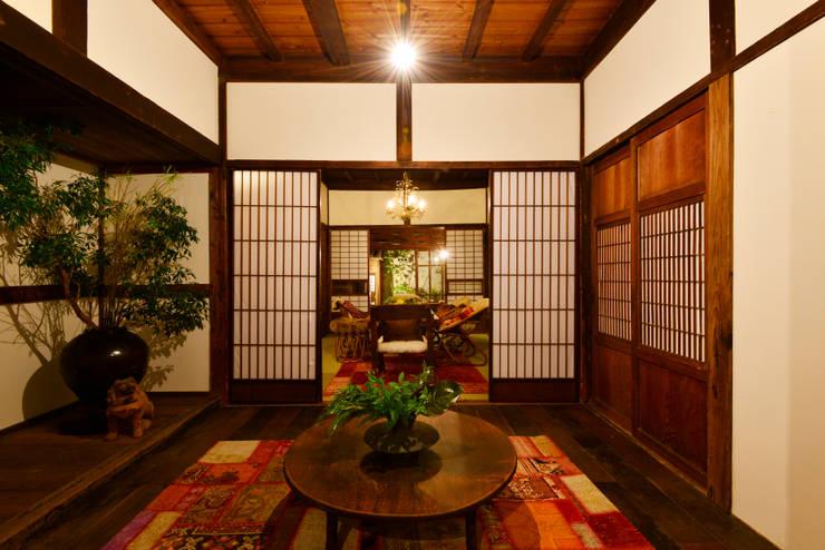 メインイベントスペース 和室1: 株式会社SHOEIが手掛けた折衷的なです。,オリジナル