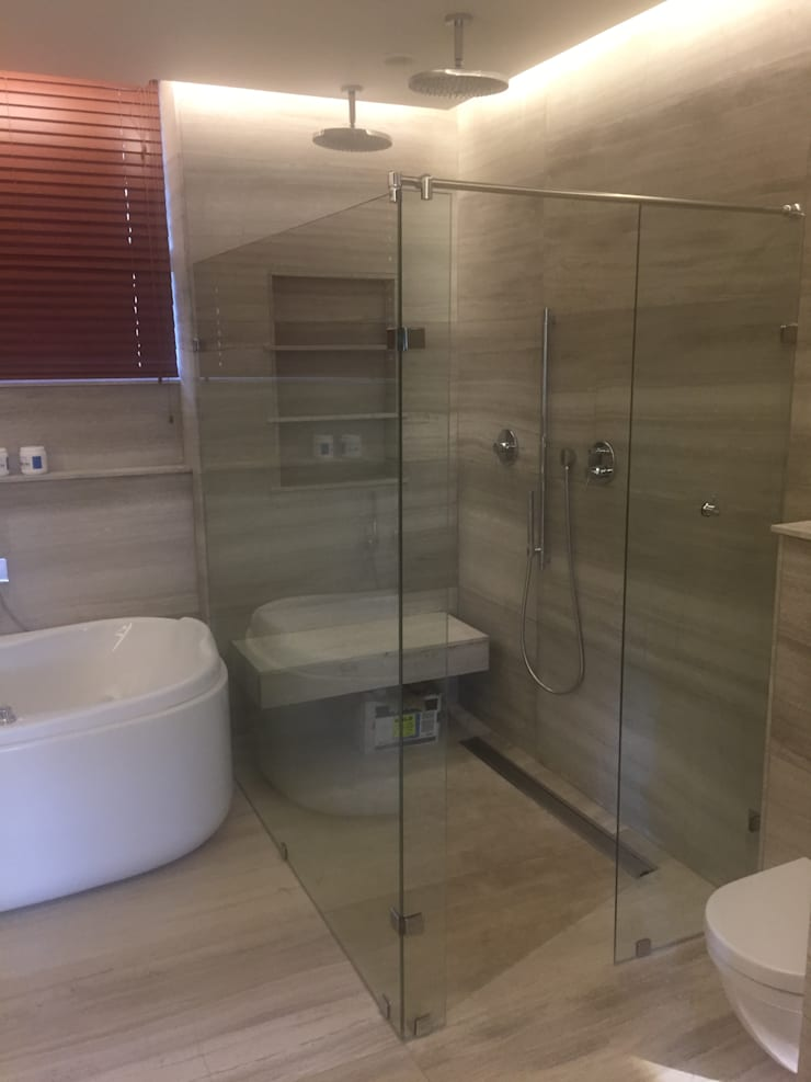 Luxury apartment interior allerations refurbishment :  Bathroom by Mark Gouws Architects
