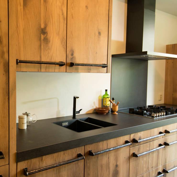 Keuken Den Haag:  Keuken door RestyleXL