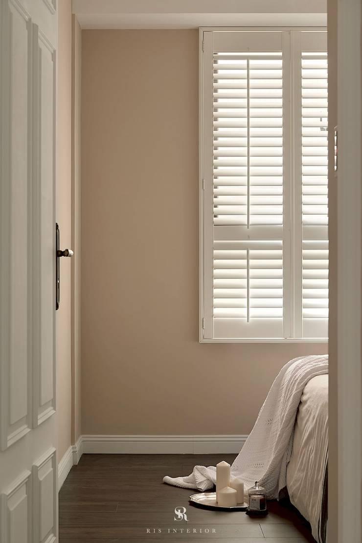M.Maisonnette:  窗戶與門 by 理絲室內設計有限公司 Ris Interior Design Co., Ltd.