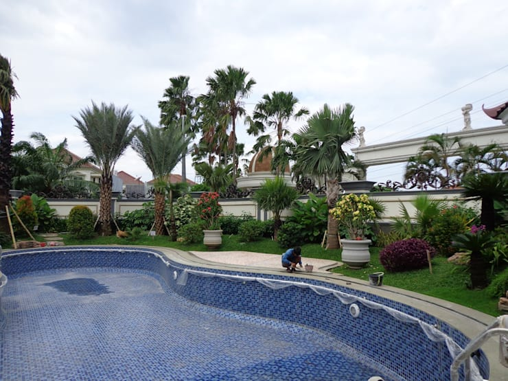 Taman Surabaya:  Garden  by TUKANG TAMAN SURABAYA - jasataman.co.id