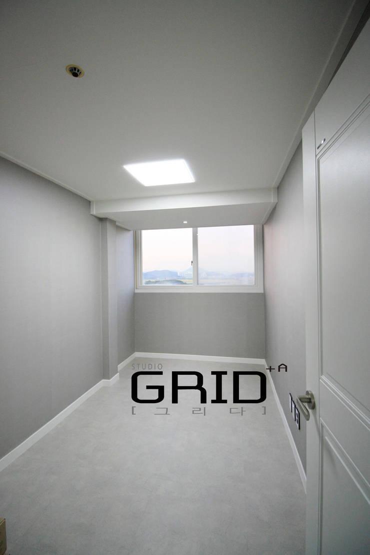 20평대 침실: Design Studio Grid+A의  침실,모던
