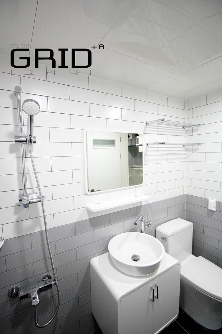 20평대 욕실: Design Studio Grid+A의  욕실,미니멀