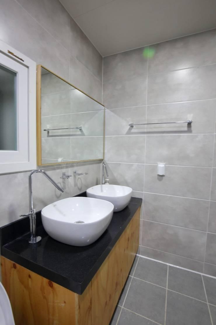 대구 주텍 인테리어 리모델링 아파트: inark [인아크 건축 설계 디자인]의  욕실