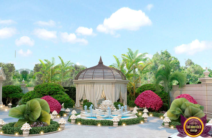 ​Beautiful landscape design from Katrina Antonovich:  Garden by Luxury Antonovich Design, Mediterranean
