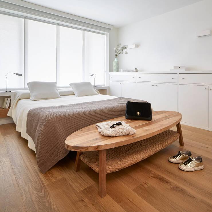 Piso Avenida Sarrià: Dormitorios de estilo  de Deu i Deu
