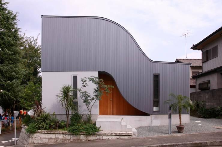 Rumah by 藤井伸介建築設計室