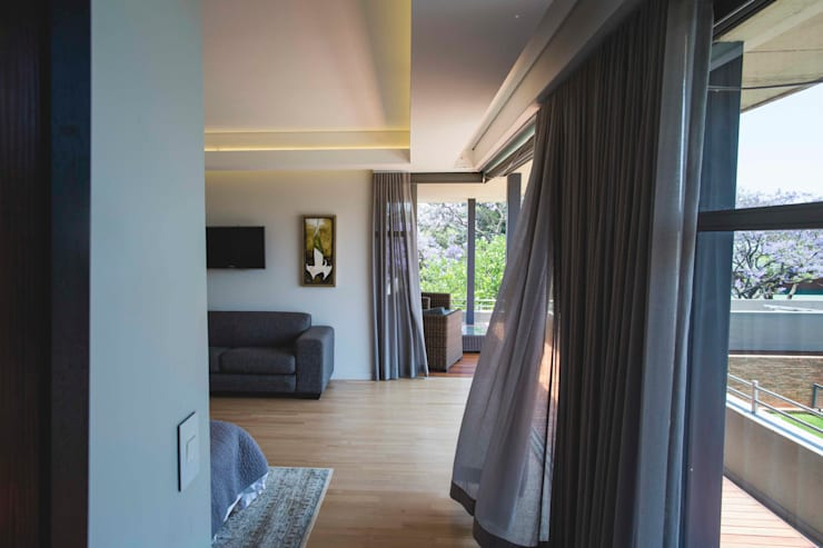 House Swart (Cameron Court Unit 1):  Bedroom by Swart & Associates Architects