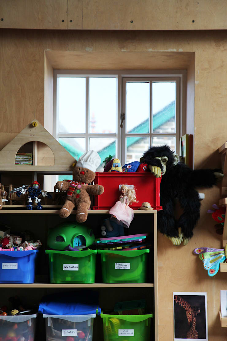Boscastle Pre-school toys playroom:  Schools by Innes Architects