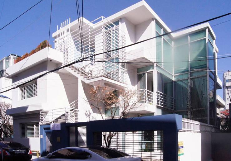 Houses by 디자인 스튜디오 파브