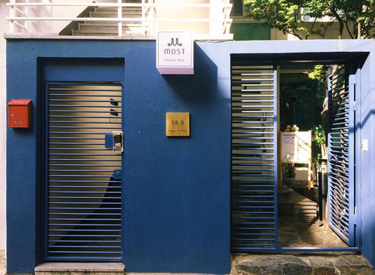 Most : 디자인 스튜디오 파브의  주택