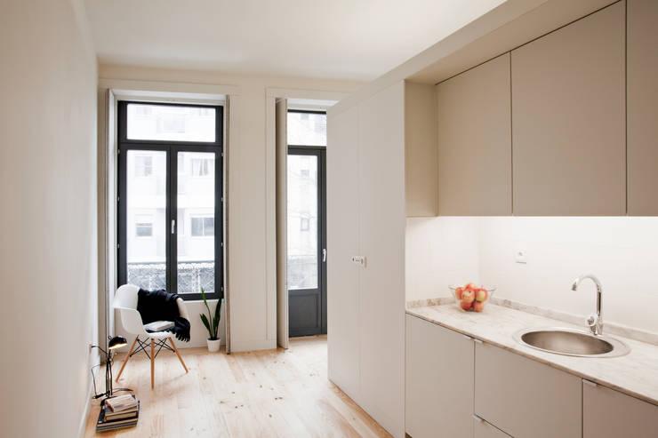 廚房 by A2OFFICE