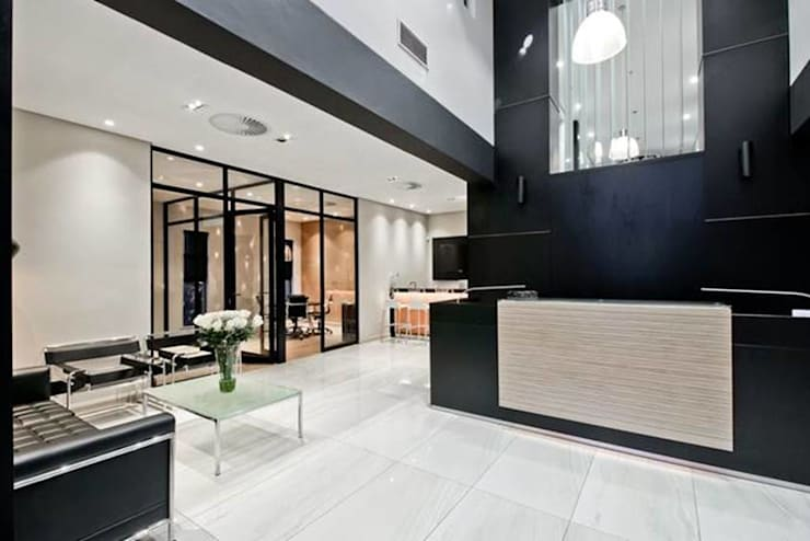 Reception Area :  Office buildings by Sight Projects + Interiors (PTY) LTD