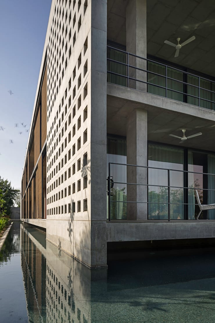 Private Residence Ahmedabad:  Houses by Blocher Blocher India Pvt. Ltd.,Modern Concrete