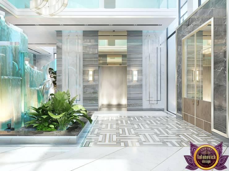 Futurism in interiors of Katrina Antonovich:  Corridor & hallway by Luxury Antonovich Design