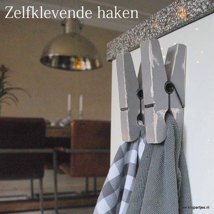 Keuken haken:   door Knijpertjes.nl, Landelijk Hout Hout
