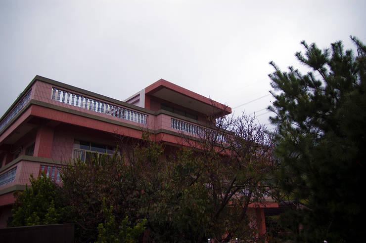 Casas de estilo  por 寶樹堂營造工程, Rural Azulejos