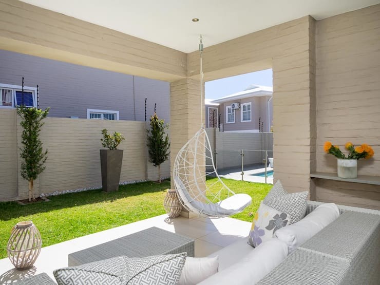 House Morningside:  Patios by Principia Design, Minimalist