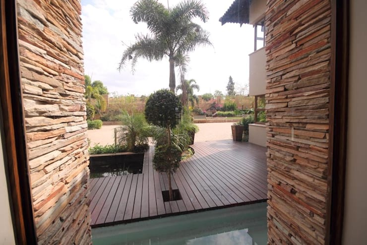 House Swaziland:  Garden by Principia Design