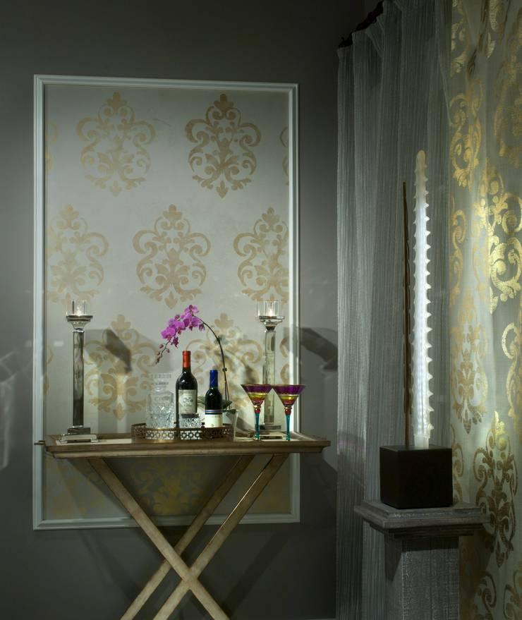 Dream Home Showhouse :  Living room by Lorna Gross Interior Design
