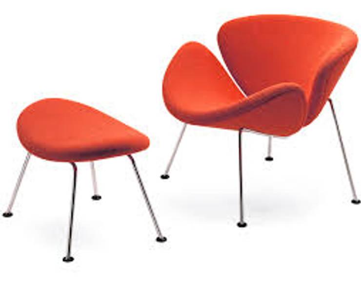 PIERE PAULIN:  de estilo  por Positiva Arquitectura Corporativa,Clásico Cuero sintético Metálico/Plateado