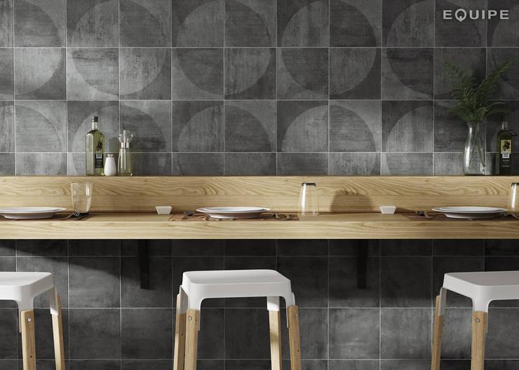 Urban: Comedores de estilo  de Equipe Ceramicas