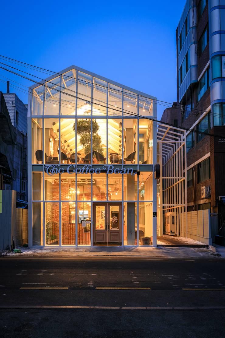 잠원동 커피빈 빌딩: (주)엠엑스엠 건축사사무소의