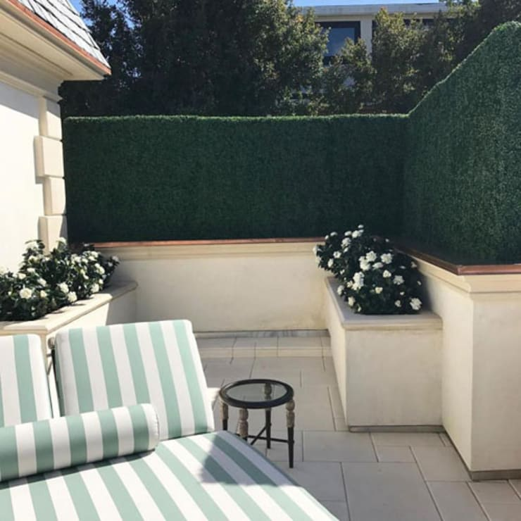 Balcony Privacy Screen built by Boxwood Wall:  Balconies, verandas & terraces  by Sunwing Industrial Co., Ltd.