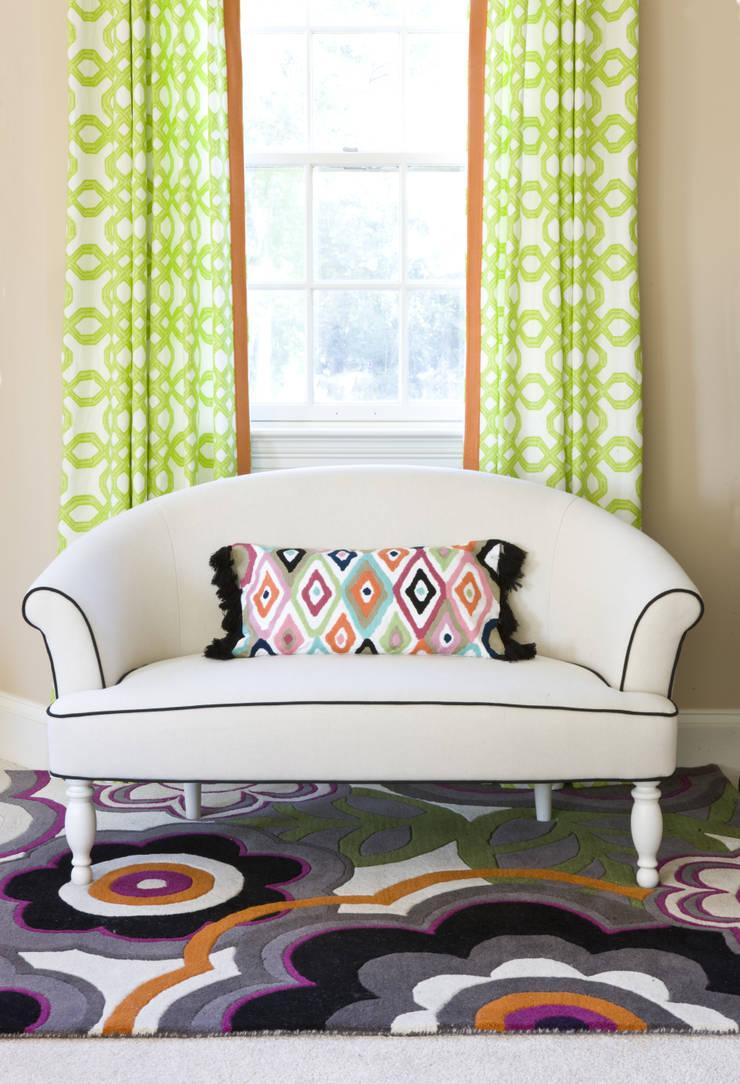 Next Generation - Tween's Room Settee:  Bedroom by Lorna Gross Interior Design