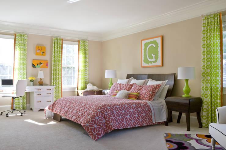 Next Generation - Tween's Room:  Bedroom by Lorna Gross Interior Design