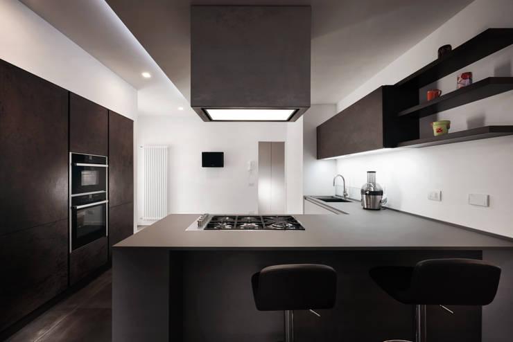 Cocinas de estilo moderno por Gruppo Castaldi   Roma