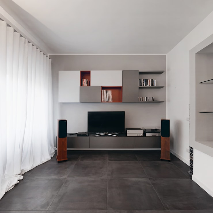 Salas / recibidores de estilo moderno por Gruppo Castaldi   Roma