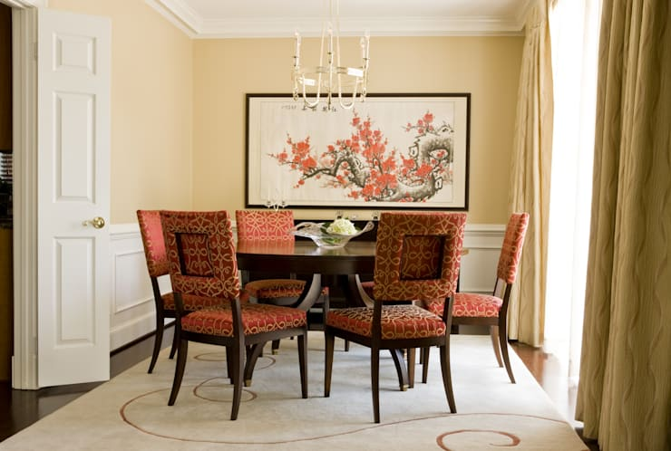 Shanghai Chic - Dining Room:  Dining room by Lorna Gross Interior Design