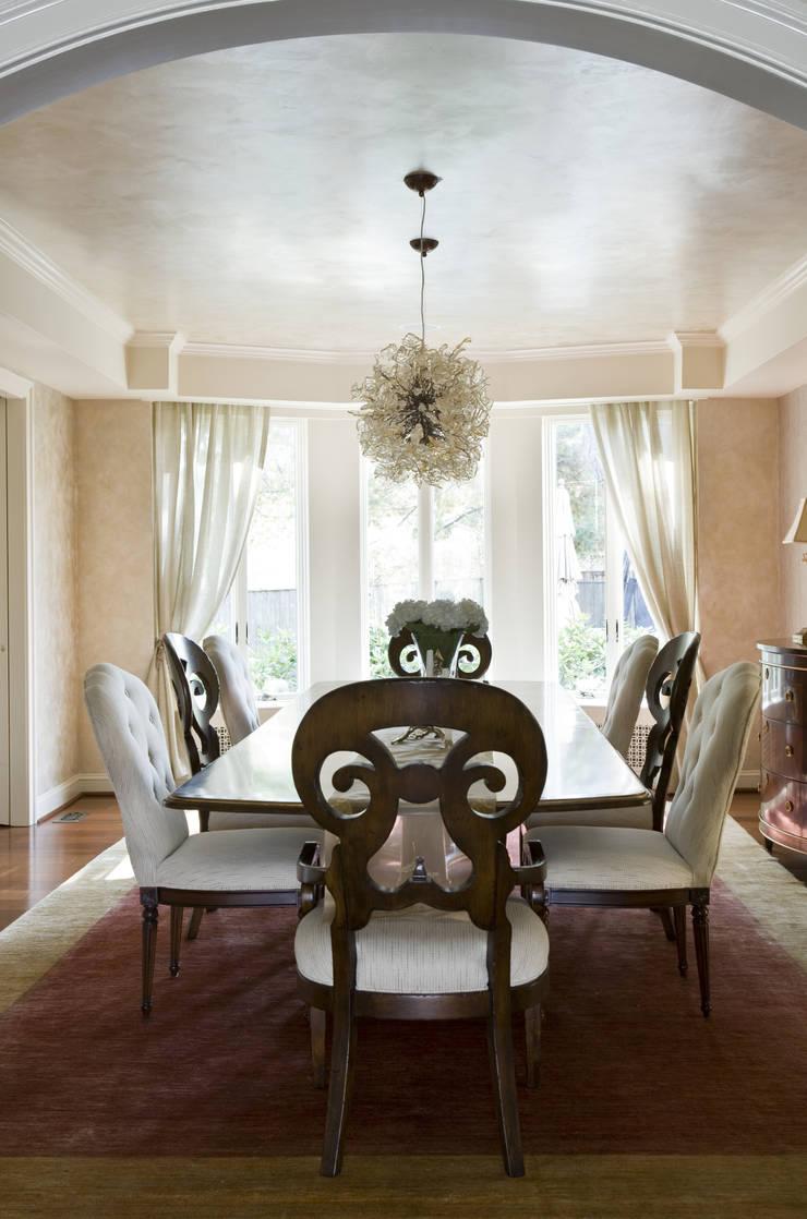 Caribbean Dream - Dining Room:  Dining room by Lorna Gross Interior Design