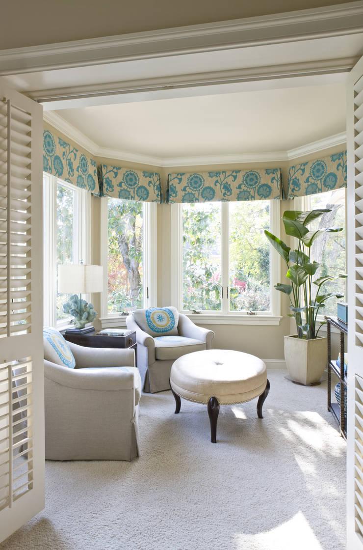 Caribbean Dream - Bedroom Sitting Area:  Bedroom by Lorna Gross Interior Design