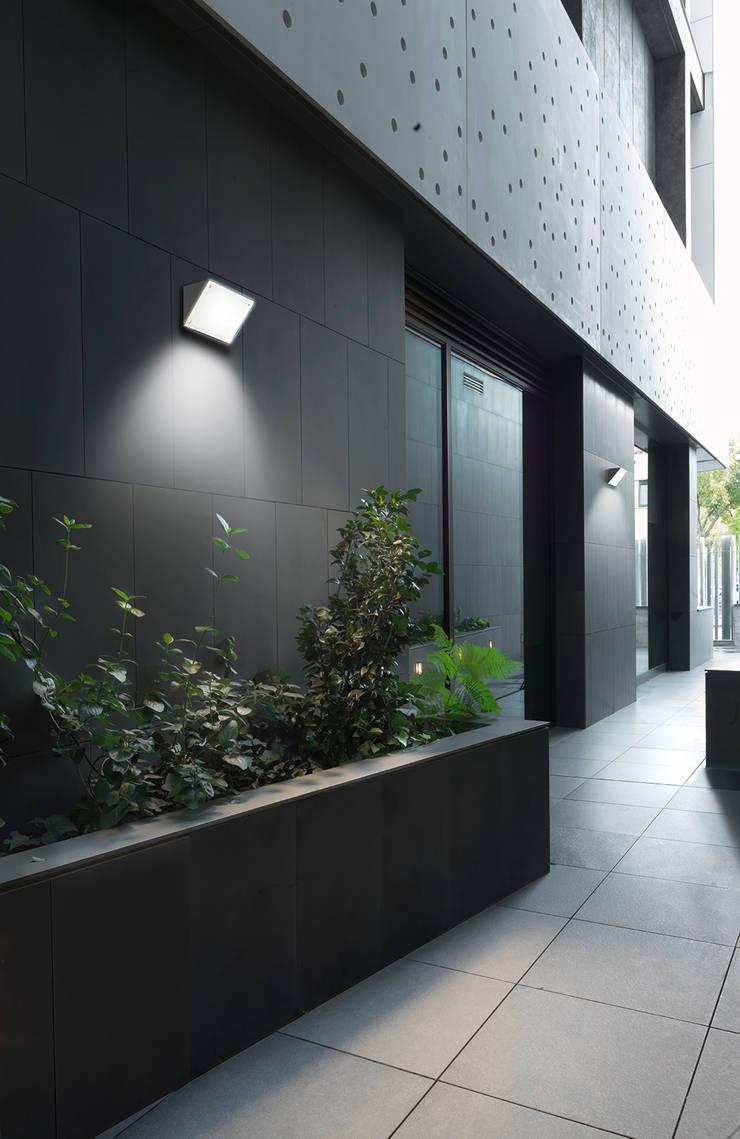 Patios & Decks by iLamparas.com, Modern
