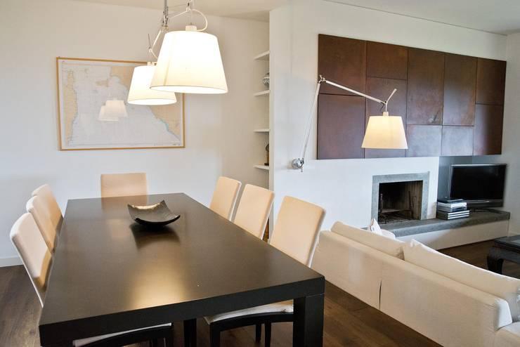 ห้องนั่งเล่น โดย Caterina Raddi, มินิมัล